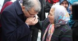 Murat Aydın'ı görmeye gelen kadın öpüp bağrına bastı!..