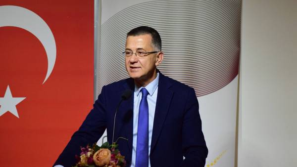Beykoz Üniversitesi Rektörü Prof. Dr. Mehmet Durman