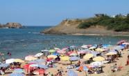 Sıcaktan Bunalan İstanbullular Riva Plajı'na Akın Etti!..