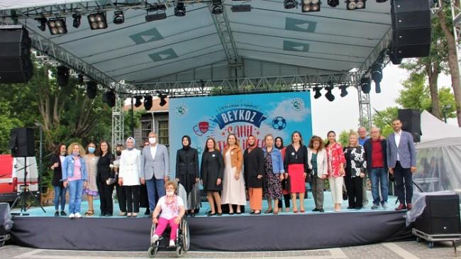 """""""Beykoz'un Resim Hali""""ne Kadın Eli Değdi!…"""